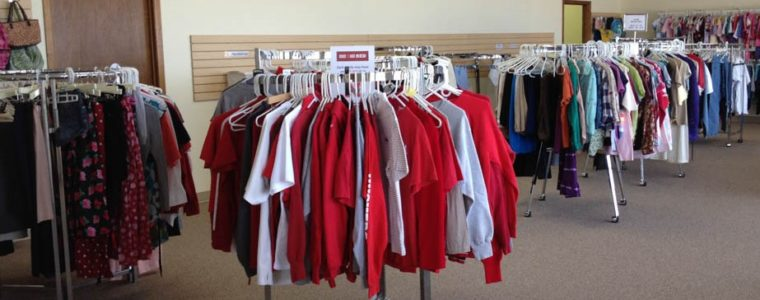free store with clothing on hangers